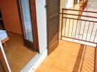 ferienwohnung-torri-del-benaco-mit-pool-Elternzimmer-0004