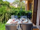 ferienwohnung-torri-del-benaco-mit-pool-Veranda-0004