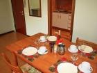 ferienwohnung-torri-del-benaco-mit-pool-Wohnzimmer-0006