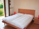 ferienwohnung-torri-del-benaco-mit-pool-Elternzimmer-0001