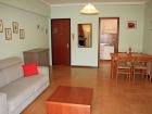 ferienwohnung-torri-del-benaco-mit-pool-Wohnzimmer-0004